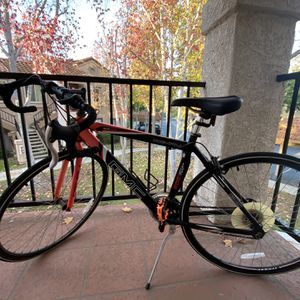 GMC Denali 700 C 19inch Men Road Bike With Newly Unpacked Locked ,pump And Helmet for Sale in San Diego, CA