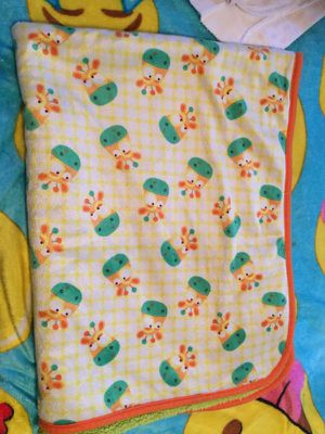 Super Soft and Warm Giraffe baby blanket for Sale in Springfield, MA