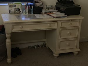 Desk with 4 drawers and fold down center drawer for Sale in Pembroke Park, FL