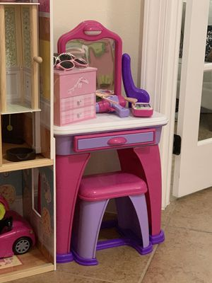 Toddler baby girl vanity makeup toy with chair - like new! for Sale in Hialeah, FL