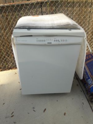 Dish washer kenmore for Sale in Tampa, FL