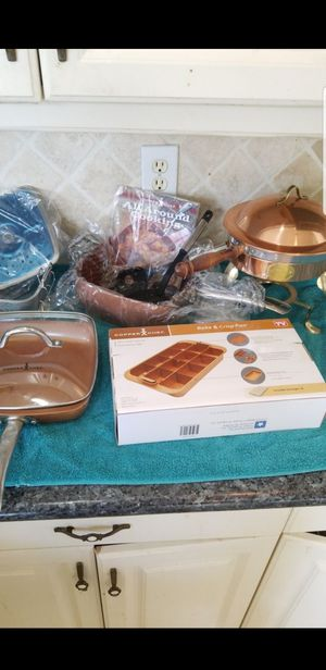 Pot pans for Sale in Miami, FL