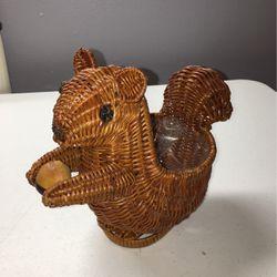 Squirrel Wicker Basket for Sale in Clarksville,  TN