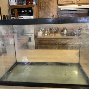 Medium Size Fish Tank for Sale in Oklahoma City, OK