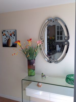 Wall MIRROR . Beautiful,gorgeous!!! Will give charm to any room for Sale in Boca Raton, FL