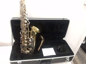 Bundy BAS - 300 Alto Saxophone for Sale in Lynn, MA