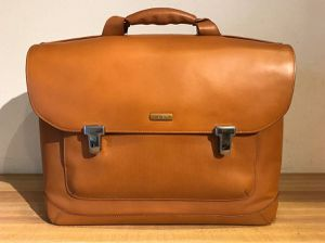 Authentic Tumi 2952T Formula Tan or Camel Leather Laptop Bag Briefcase for Sale in Yorba Linda, CA