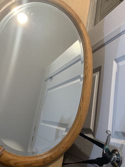 "1940's Like New Beveled 30""x20"" Oval Mirror with solid 2"" beveled wood frame excellent condition Sturdy chain hanger in back Could Do !/2 Off Price for Sale in Placentia,  CA"