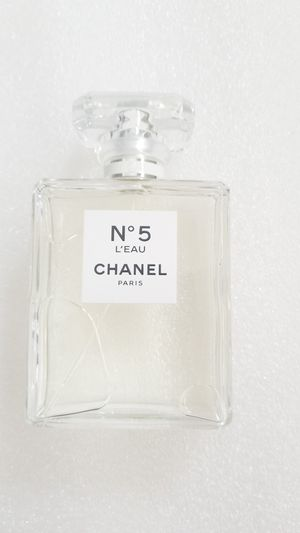 Chanell n5 leau 3.4oz womens perfume for Sale in Chula Vista, CA
