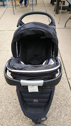 Britax B-Agile stroller and car seat system for Sale in Amherst, NY