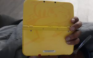 Like new pikachu new Nintendo 3ds xl w minecraft downloaded for Sale in Kennedale, TX