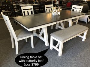 New Beautiful Dining table set with butterfly leaf for Sale in Fresno, CA