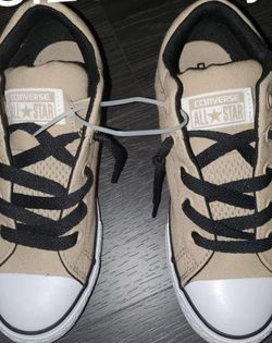NEW- Tan/White/Black All 🌟 Converse size 2.5 youth for Sale in Renton,  WA