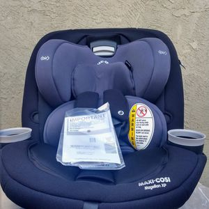 (BRAND NEW ) Maxi-Cosi Magellan XP All-in-One Convertible Car Seat, Midnight Slate for Sale in Kingsburg, CA
