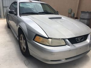 Mustang gt shell 2000 for Sale in Miami, FL