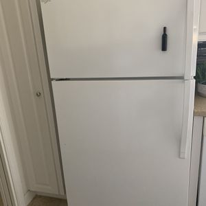 Whirpool fridgerator for Sale in Bonita Springs, FL