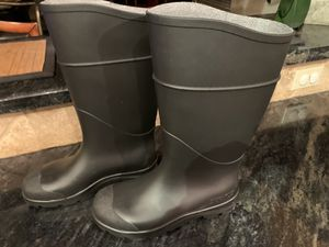 Snow and Rain Rubber Boots Size7 for Sale in Las Vegas, NV