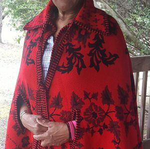 🌺 Red and black cloak for Sale in Dillwyn, VA