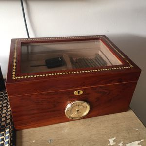 Big Humidor W/ REAL COHIBAS. (11) for Sale in Hollywood, FL