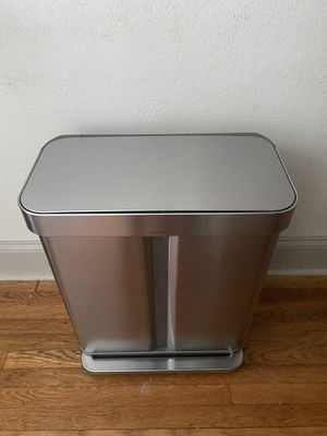 Simplehuman 58L Dual Compartment Step Can for Sale in St. Louis, MO