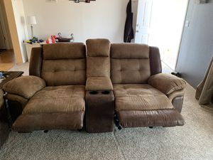Micro fiber love seat that's like leather with a usb charger port for Sale in Metolius, OR