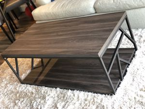 Coffee table with side designs - in Reston VA for Sale in Reston, VA