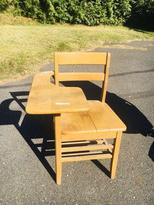 School desk for Sale in Manalapan Township, NJ
