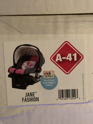 Brand New - Graco Snugride 30 Base & Car seat for Sale in Bartlett, IL