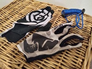Thor Motorcycle Riding Gloves and Lock Reminder Cable for Sale in Seattle, WA