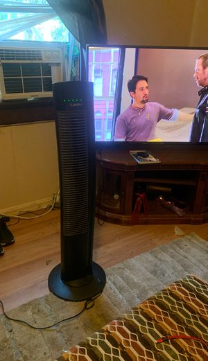Tower fan with remote for Sale in Evansville, IN