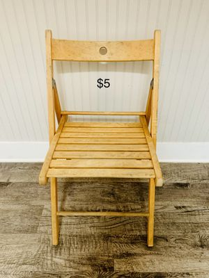 Wooden chair for Sale in Tampa, FL