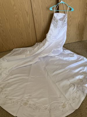 Wedding dress and veil for Sale in Beaverton, OR