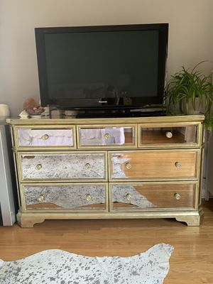 Borghese Mirrored 7 Drawer Chest for Sale in Beverly Hills, CA