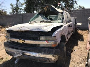 2001 Chevrolet Silverado HD truck parts for Sale in Oakdale, CA
