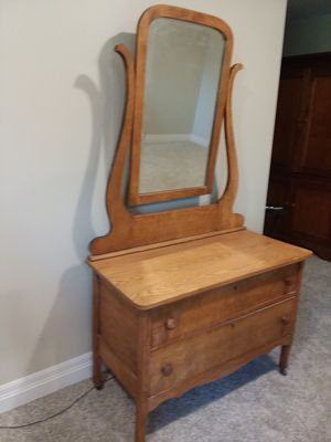 Antique Dresser for Sale in Maize, KS
