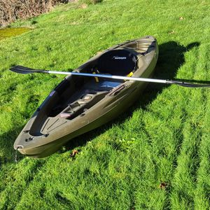 10ft Sundolphine Fishing Kayak for Sale in Snohomish, WA