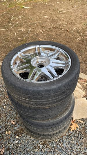 """20"""" chrome rims w/ tires for Sale in Annapolis, MD"""
