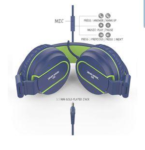 Besom i36 Foldable Stereo Ear Headphones w/Mic for Sale in Boston, MA