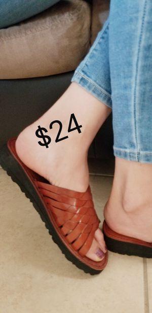 Sandalias para mujer for Sale in Phoenix, AZ