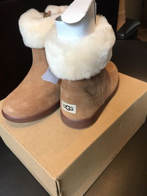 Brand new UGGs boots for Sale in Country Club Hills, IL