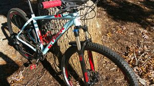 TREK EXCALIBER 8 for Sale in Lynchburg, VA