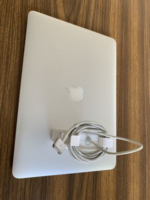 MacBook Pro 13 inch 2015 for Sale in Los Angeles, CA