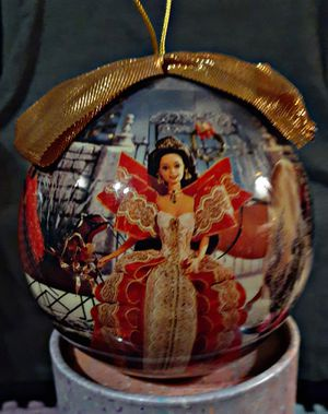 1997 MATRIX HOLIDAY BARBIE DECOUPAGE ORNAMENT for Sale in Erie, PA