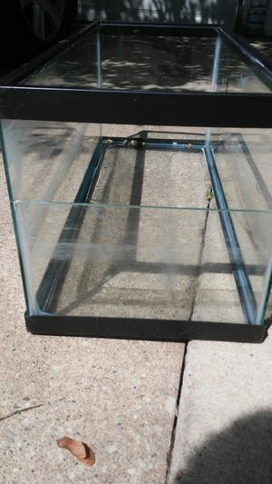 Fish/Reptile Tank for Sale in Waterloo, IA
