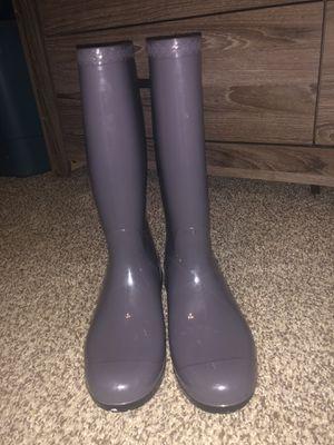 Women's UGG rain boots, size 8 (gray) for Sale in Dallas, TX