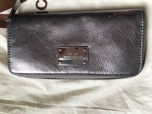 Michael Kors wallet for Sale in Laveen Village, AZ