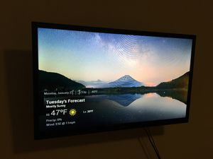 32 inch HD insignia tv with dvd and hdmi ports for Sale in Atlanta, GA