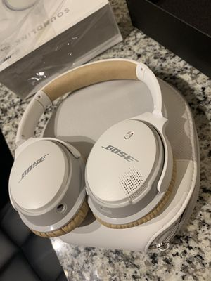 Bose SoundLink Around-Ear White for Sale in Troy, MI