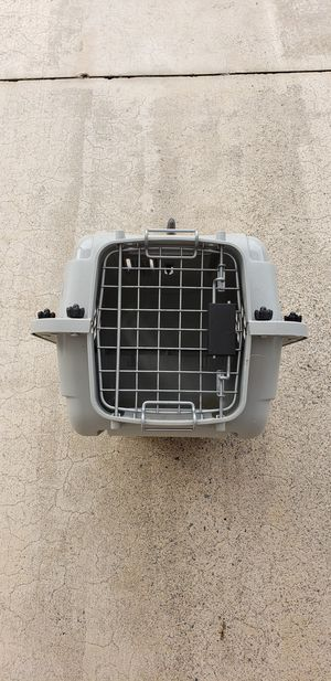 Dog carrier / crate for Sale in Dallas, GA