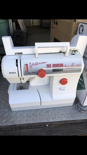 Beautiful sewing machine $200 OBO for Sale in Durham, NC
